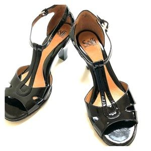 NWOT Sofft patent leather strappy sandals size 8.5